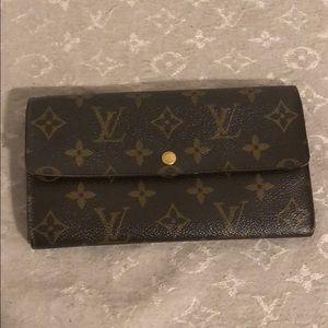 Louis Vuitton vintage Sarah wallet ✨